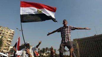 Manifestation au Caire pour protester contre le pouvoir de l'armée
