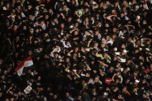 La place Tahrir dans le doute sur la santé de Moubarak