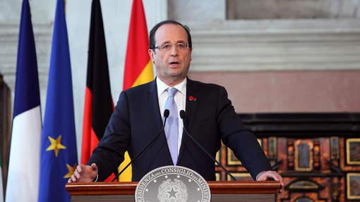 Hollande tacle sévèrement la politique budgétaire de Sarkozy