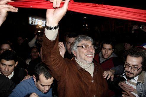Tollé après la destitution du président du Paraguay