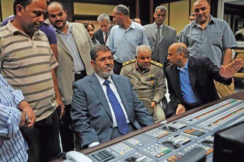 Égypte : Morsi prend ses marques face à l'armée