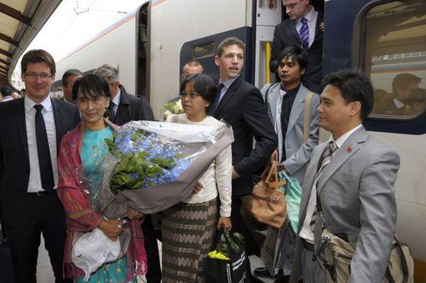 Aung San Suu Kyi menacée d'expulsion de sa maison
