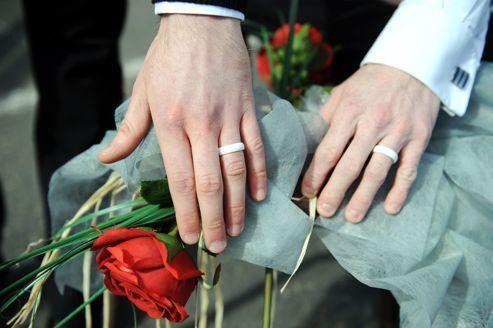 Le gouvernement annonce le mariage gay pour 2013