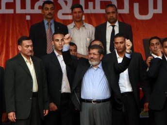 Egypte : le président élu Mohamed Morsi face à la place Tahrir