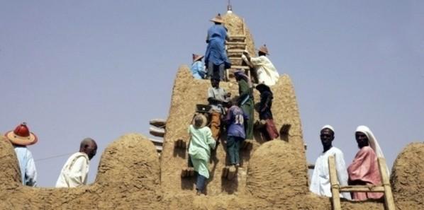 Ansar Dine continue de détruire des mausolées à Tombouctou