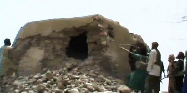 MALI. Ansar Dine brise les portes d'une mosquée de Tombouctou