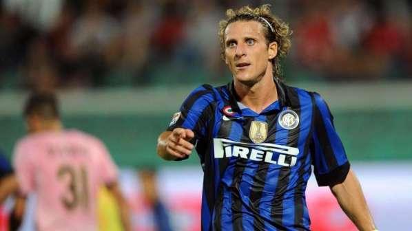 La triste fin de Diego Forlan à l'Inter Milan