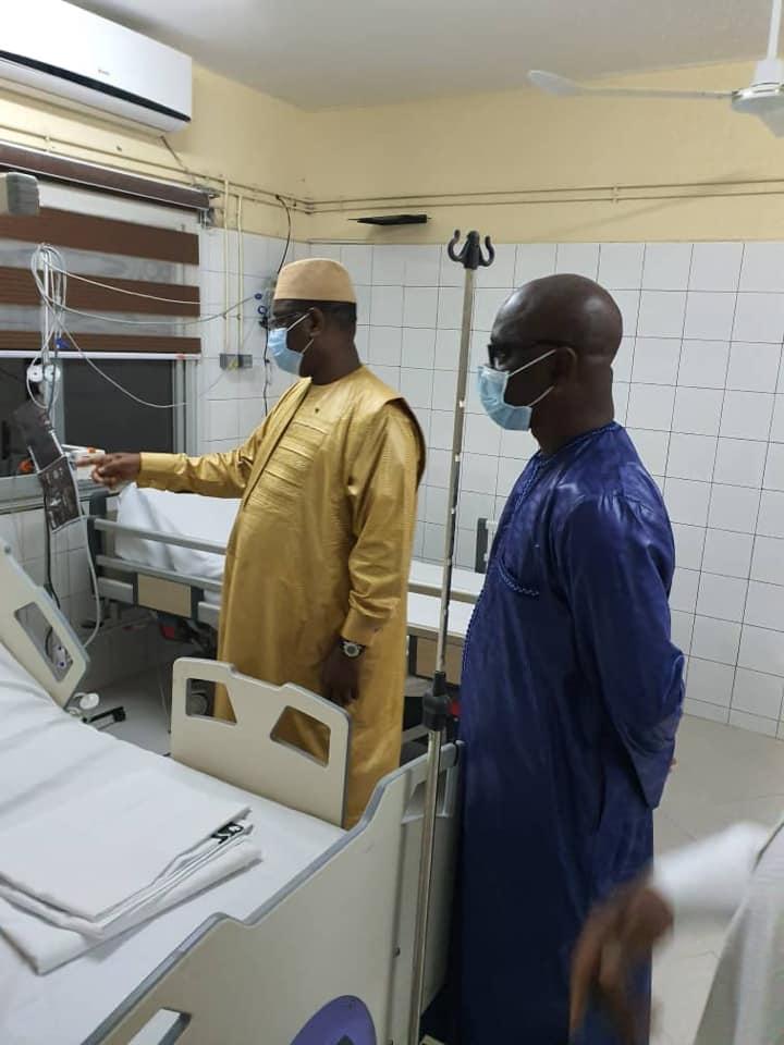 Visite surprise du President Macky Sall au CET de l'Hôpital Idrissa pouye de Grand Yoff.