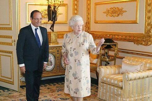 François Hollande en tête à tête avec la reine Elizabeth