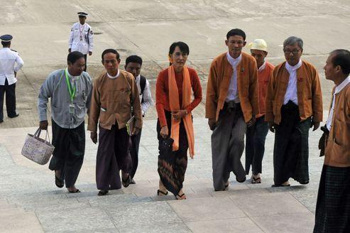 Washington renoue des relations avec la Birmanie