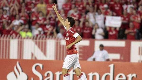 Chelsea passe à l'offensive pour la pépite brésilienne Oscar