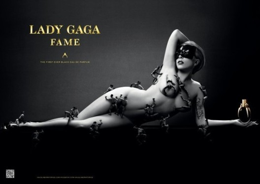 Photo : Lady Gaga pose nue pour son parfum