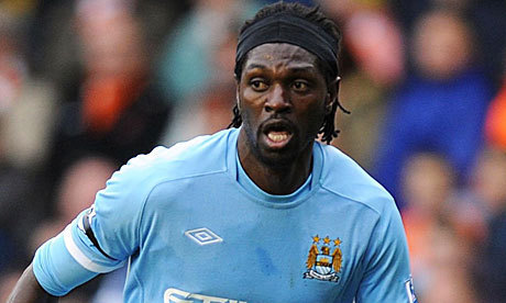 Man City : Adebayor hésite encore...