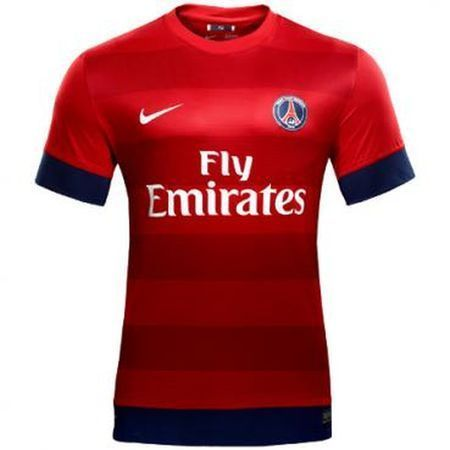 Le nouveau maillot extérieur 2012-13 du PSG entre en scène !