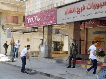 Syrie: la rébellion contrôle des postes-frontières mais recule à Damas