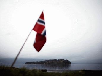 La Norvège commémore le premier anniversaire de la tragédie d'Utoya
