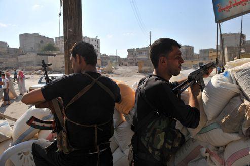 Syrie : de violents combats font rage à Alep