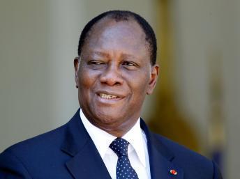 Alassane Ouattara sur RFI: «Aller au-delà de l'Afrique pour mettre en œuvre la libération du nord du Mali»