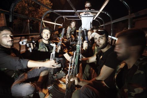 Armée et rebelles se disputent un quartier clé d'Alep