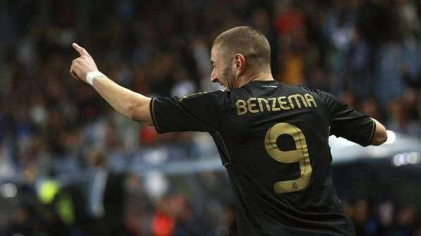 Real Madrid : un nouveau poste pour Benzema ?