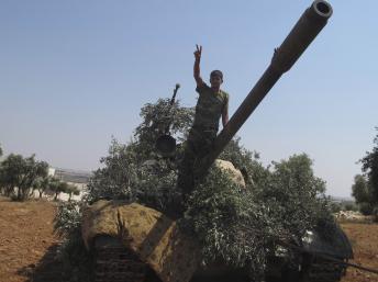 Syrie : les combats s'étendent aux quartiers chrétiens de Damas et se poursuivent à Alep