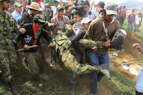 En Colombie, les Indiens défient le pouvoir et les Farc