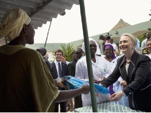 La sécurité occulte le geste de solidarité de Hilary Clinton à Yoff