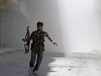 Syrie : après Damas, Alep déchirée par les bombes et les combats