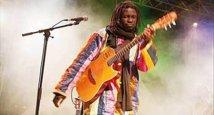 Ramadan : Yoro Ndiaye ne range pas sa guitare