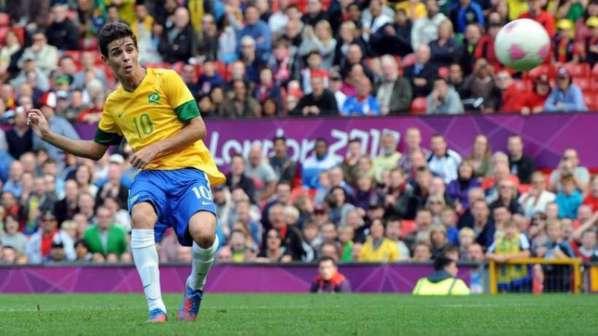 Chelsea : la recrue Oscar nourrit de grandes ambitions et compte bien faire venir Neymar !