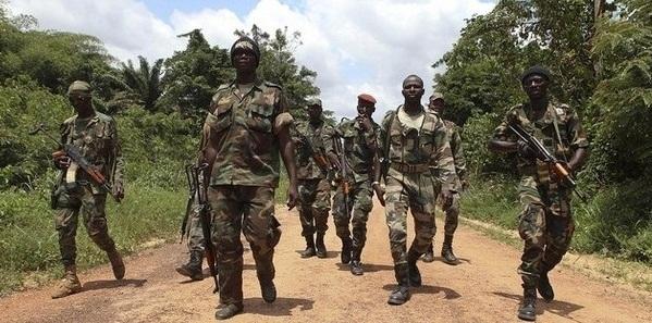 Un poste de contrôle de l`armée attaqué à 80 km d'Abidjan, deux militaires blessés
