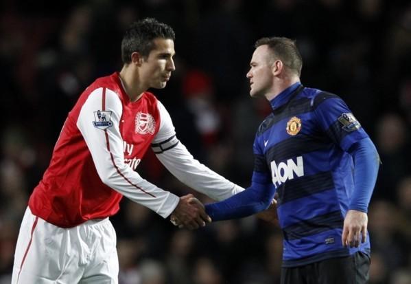 Man Utd : Rooney attend Van Persie