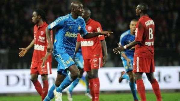 Officiel : Alou Diarra file à West Ham !