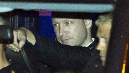 """Les attaques de Breivik auraient pu être """"évitées ou abrégées"""""""