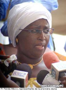 """Des denrées alimentaires et du tissu à la fondation """"Servir le Sénégal"""""""