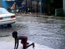 Six morts dans les fortes pluies, à Dakar