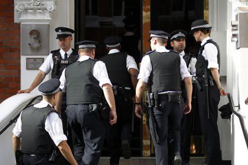 Assange: l'Équateur craint un assaut contre son ambassade