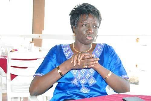Mimi Touré indexe le manque de formation des forces de l'ordre
