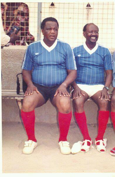 "Photo inédite: Baye Peul et Makhouradia Guèye en mode ""Footballeur"""