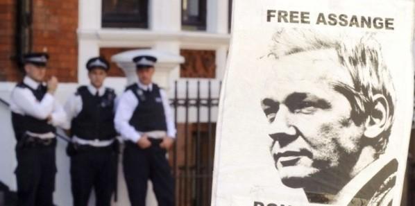Assange pourra-t-il apparaître en public sans être arrêté ?
