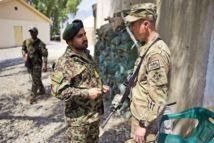 Afghanistan : l'Otan aux prises avec des ennemis infiltrés