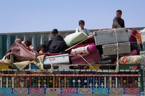 Les réfugiés afghans embarrassent le Pakistan