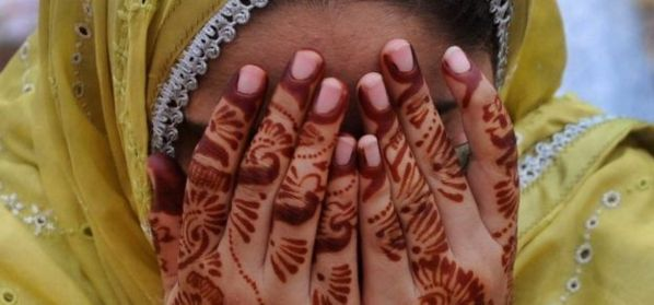 Pakistan: il fréquente une femme mariée, il est atrocement mutilé