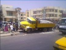 Fora de Mbao : Un camion fou tue deux personnes à Mbao