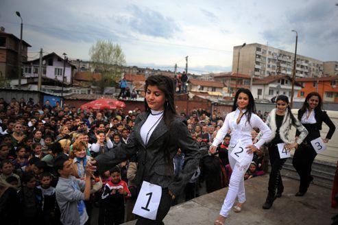 Dans les rues du plus grand ghetto rom des Balkans
