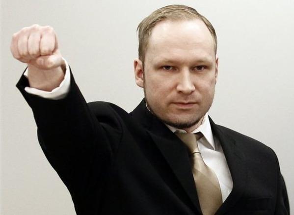 Breivik : L'homme Avait Abattu 77 Personnes Par Haine De L'Islam, Il Est Condamné Seulement A 21 Ans De Prison