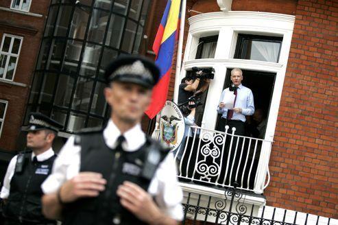 À Londres, l'Équateur offre un frigo à Julian Assange