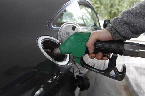 La baisse du prix de l'essence limitée à quelques centimes