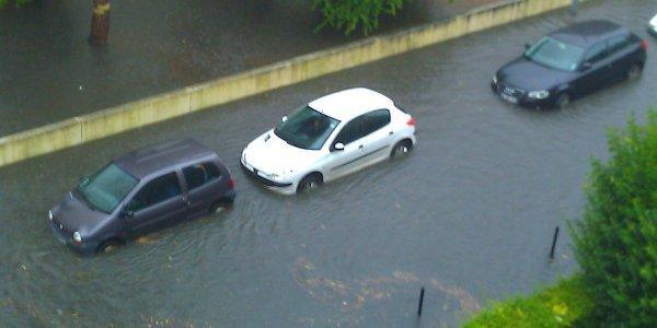 Abondance des pluies:  Le paradoxe du Monde rural et de la Banlieue