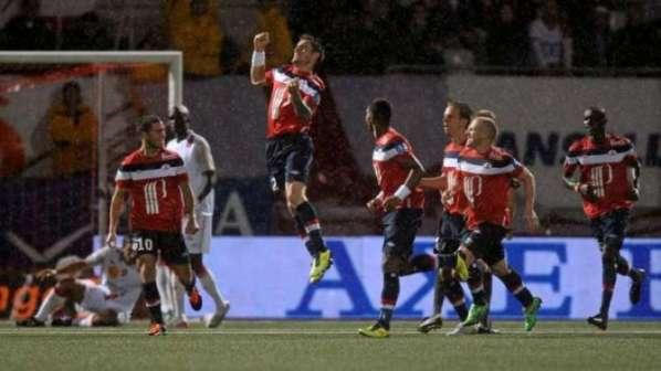 LOSC : le Real Madrid passe à l'attaque pour Debuchy